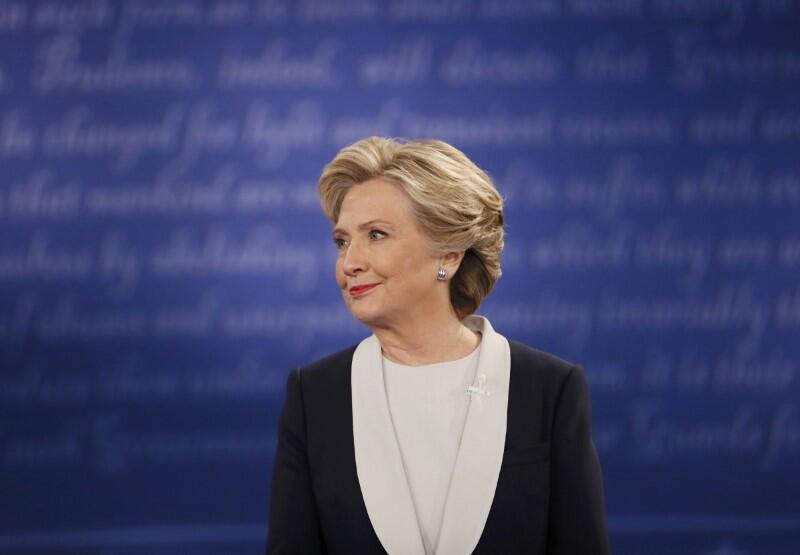 美国民主党总统候选人希拉里-克林顿2016年10月9日在第二次电视辩论中。