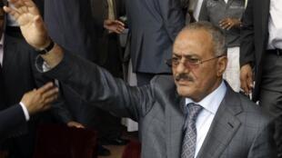 ប្រធានាធិបតីយេម៉ែន លោកAli Abdullah Saleh ព្រមចុះចេញពីអំណាចក្នុងរយៈពេលមួយខែទៀត