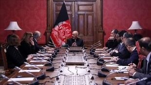 Encuentro entre el presidente afgano Ashraf Ghani y el representante especial de Estados Unidos Zalmay Khalilzad, en el palacio presidencial de Kabul el 28, e enero de 2019.