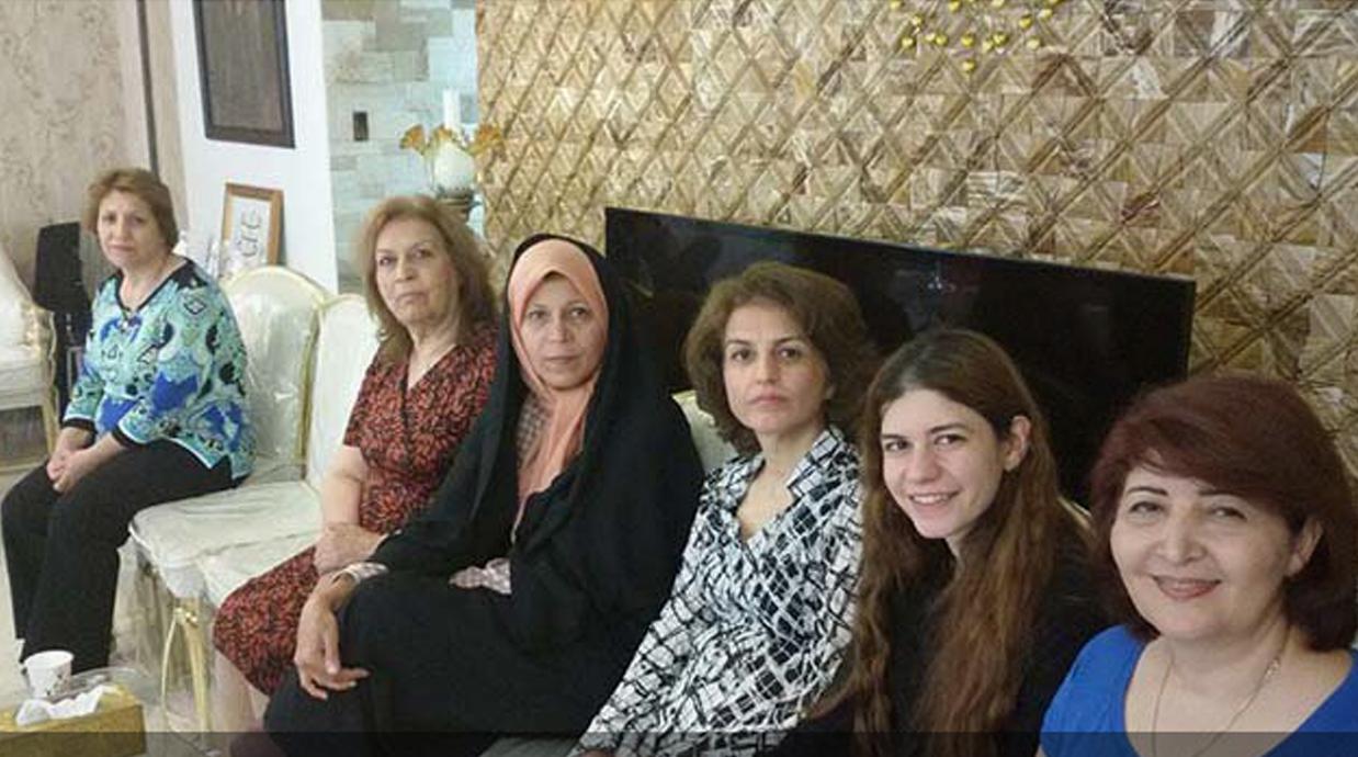 فائزه هاشمی، در دیدار با فریبا کمالآبادی