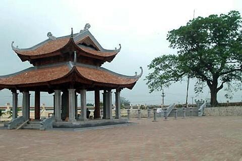 Khu lăng mộ Trần Thủ Độ tại làng Ngừ, Thái Bình.