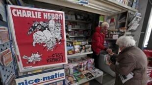 Charlie Hebdo regresó este miércoles 25 de febrero a los kioscos.
