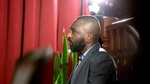 Jose Filomeno dos Santos, fils de l'ex-président angolais, le lundi 9 décembre devant un tribunal de Luanda.