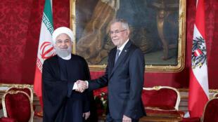 Tổng thống Iran Hassan Rouhani  (trái) gặp đồng nhiệm Áo Alexander Van der Bellen tại Vienna, Áo, ngày 04/07/2018.