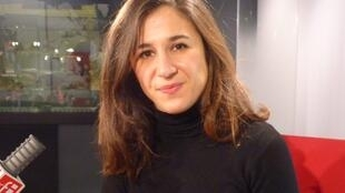 Florencia Dansilio en los estudios de RFI