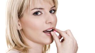 La pilule est davantage utilisée parmi les 15-19 ans (60,4%) et les 20-24 ans (59,5%), puis son utilisation diminue par la suite.