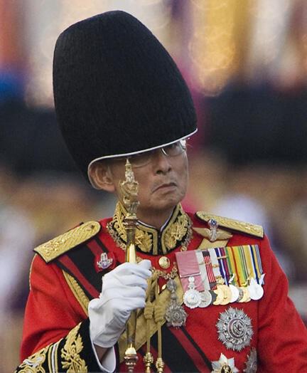 Le souverain Bhumibol Adulyadej, en décembre 2009.