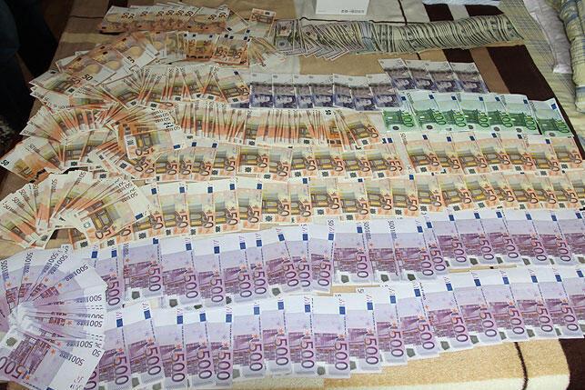 Фрагмент оперативной видеосъемки в доме одного из задержанных по «делу медиков». Опубликовано КГБ Беларуси