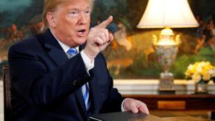 O presidente dos EUA, Donald Trump, durante coletiva na Casa Branca depois de ter assinado memorando em que reimposicionou sanções ao Irã após retirar os EUA do acordo nuclear. 08/05/18