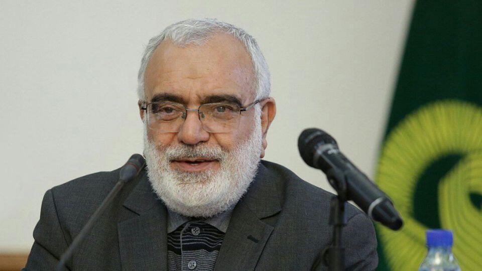 مرتضی بختیاری رئیس کمیتۀ امداد امام خمینی.