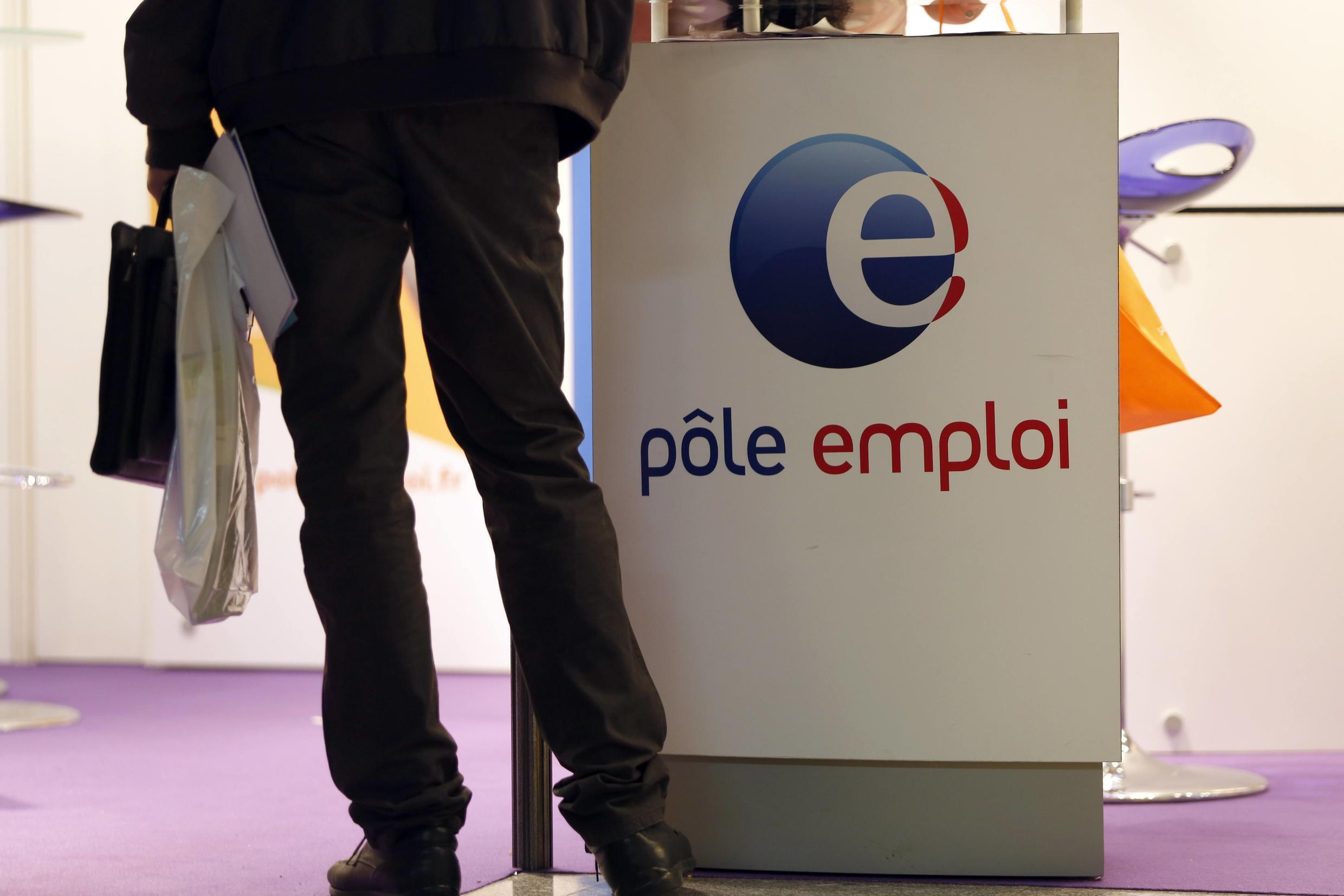France's statistics agency says French unemployment is down, but it's due to the Covd-19 lockdown