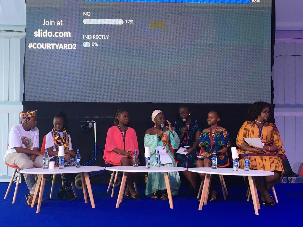 Mama Sampy, 17 ans, vice-présidente du Parlement des enfants du Mali (au centre) lors de la Conférence internationale sur la population et le développement à Nairobi.
