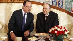 François Hollande et Abdelaziz Bouteflika, le 19 décembre 2012.