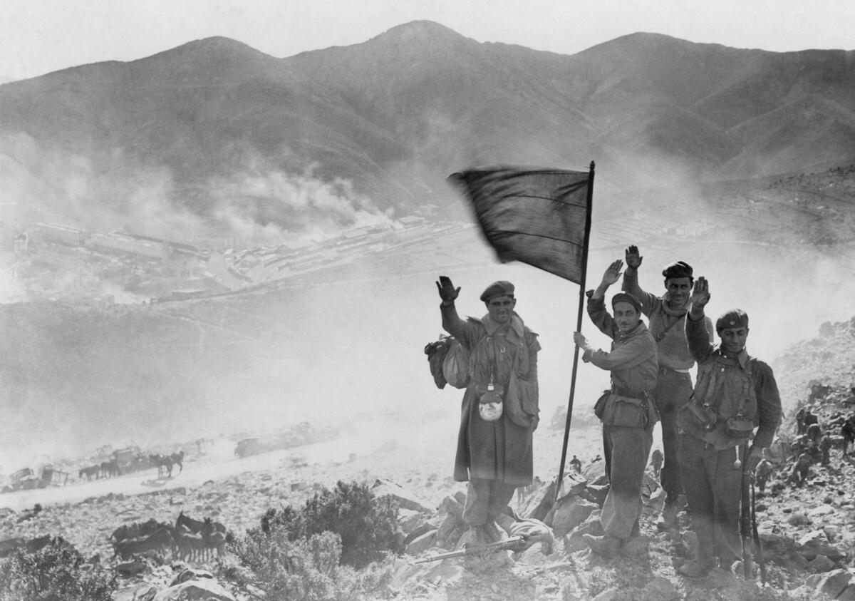 Llegada de las tropas franquistas al punto fronterizo de Cerbère, el 9 de febrero de 1939.