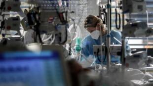 По мнению авторов доклада, Франция не была достаточно готова к пандемии коронавируса