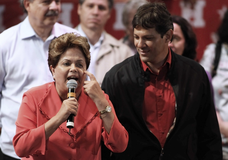 Presidente Dilma Rousseff no comício do candidato petista a prefeito de São Paulo, Paulo Haddad, no dia 2 de outubro.