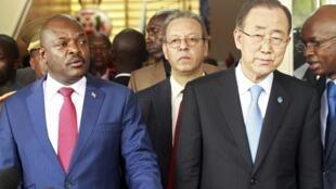 Shugaban kasar Burundi Pierre Nkurunziza  da sakatare janar na majalisar dinkin duniya  Ban Ki-moon.