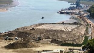 Zone de dragage industriel de sables marins, au Maroc en 2011