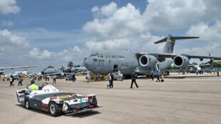 Phi cơ vận tải quân sự Boeing C-17 Globemaster III tại triển lãm hàng không Singapore ngày 17/02/ 2016.