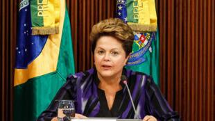 O artigo do Les Echos, afirma que a presidente Dilma Rousseff recuperou popularidade perdida durante as manifestações de junho passado.