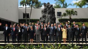 2008年伊比利亚美洲首脑会议与会者合影