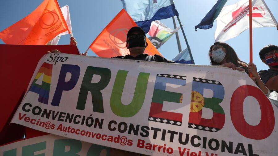 Cierran campañas para plebiscito en Chile en modo pandemia, con esperanza e incertidumbre - Noticias de América