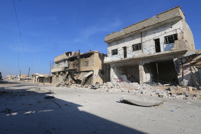 Jiji la Syria la Kafr Nabudah, katika jimbo la Syria la Hama, tarehe 11 Oktoba 2015. Vikosi vya Serikali vinajaribu kuweka kwenye himaya yao mji huo.