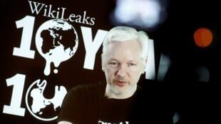 Julian Assange, fondateur de WikiLeaks, lors d'une conférence de presse vidéo à Berlin en Allemagne, le 4 octobre 2016.
