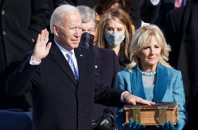 Rais mpya wa Marekani Joe Biden akiapa Januari 20 2021