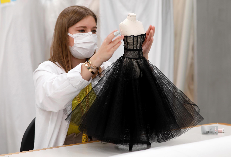 Dior apresentou seus modelos em miniaturas durante a temporada de alta-costura.
