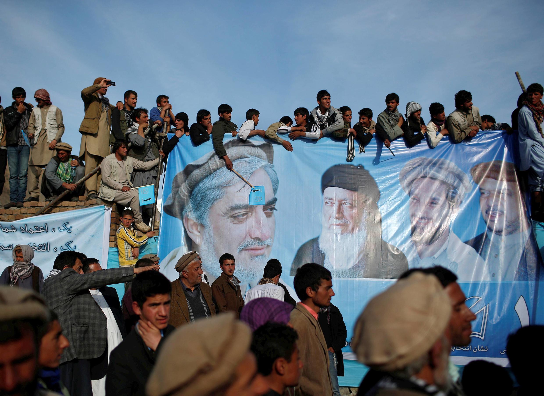 Wananchi wa Afghanistan wakiwa kwenye moja ya kampeni za Dr Abdullah Abdullah.