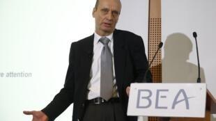 Реми Жути (Rémi Jouty– президент Бюро по расследованиям и анализам в области безопасности гражданской авиации (Bureau d'Enquêtes et d'Analyses pour la sécurité de l'aviation civile, BEA)