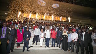 Rais Kenyatta akiwa amewasili Nairobi akitokea Mombasa kwa kutumia treni ya mwendo kasi