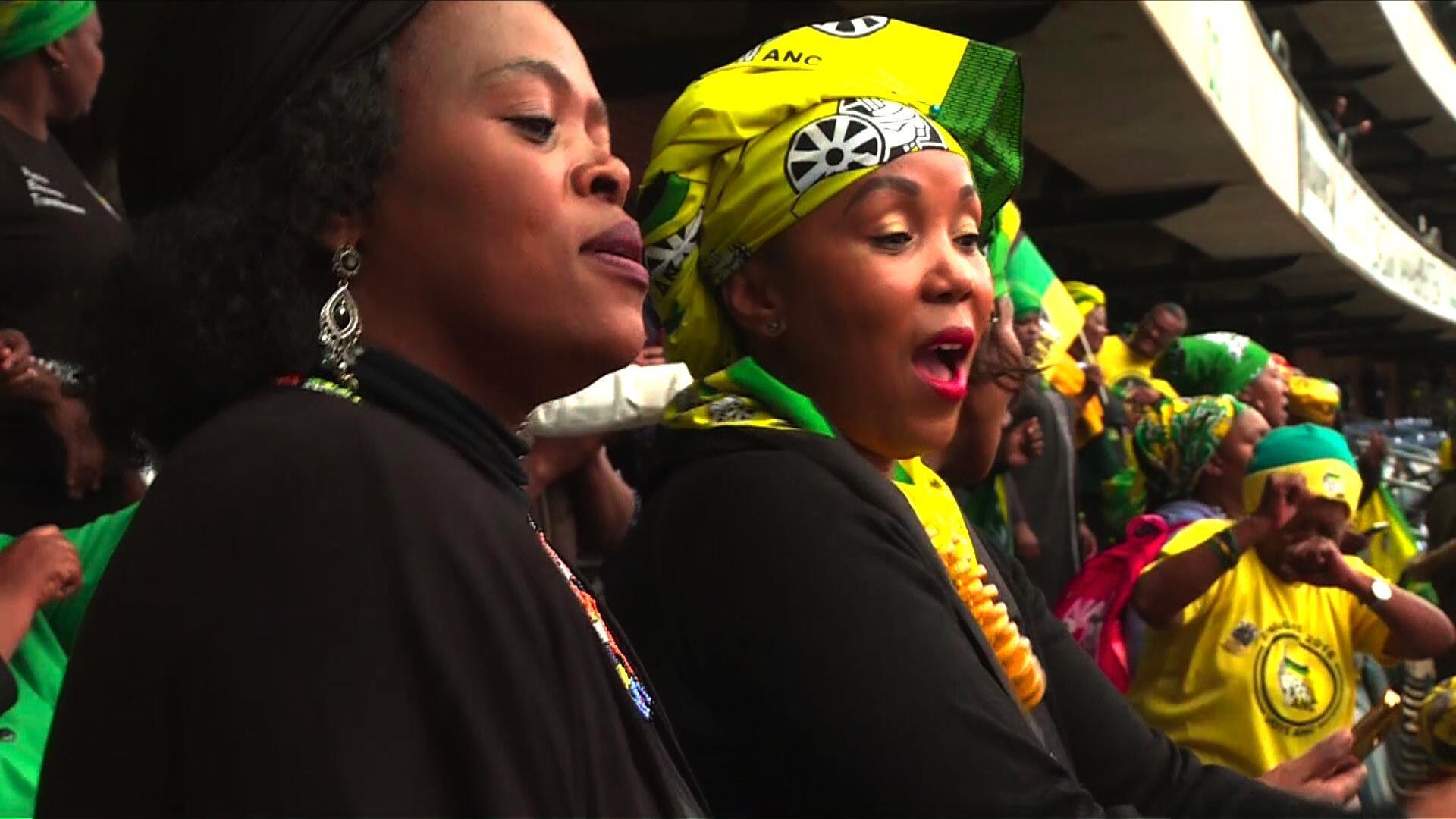 Lors des manifestations, les chants étaient une arme non violente d'intimidation et de mobilisation pour les combattants de la liberté. (Photo d'illustration)
