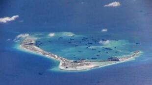 Tàu Trung Quốc tại Đá Vành Khăn - Trường Sa, Biển Đông