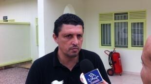 Le sélectionneur de l'équipe nationale locale de Tunisie, Hatem Missaoui.