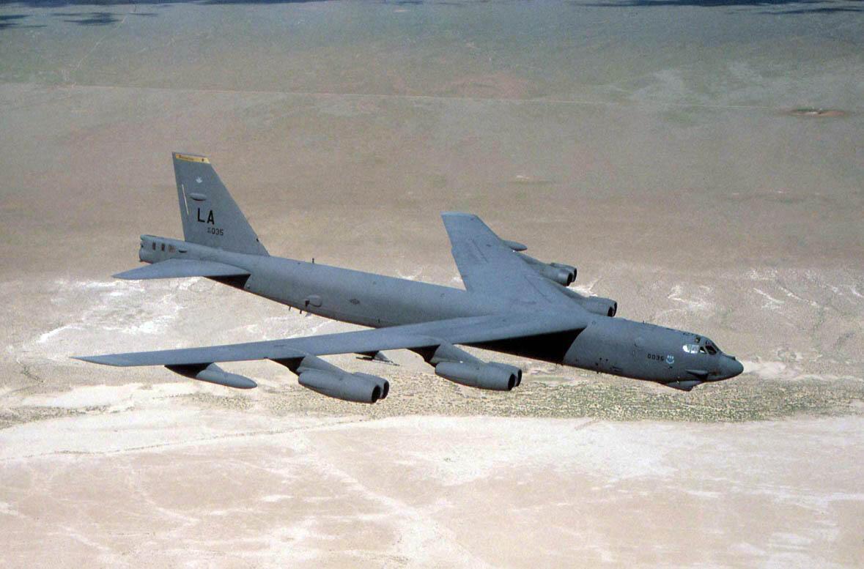 """تصویر آرشیوی از یک بمب افکن """"بی ٥٢""""  نیروی هوایی آمریکا"""
