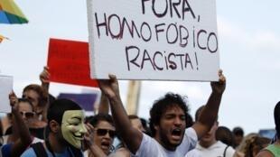 Manifestação contra Marco Feliciano, em Copacabana, no dia 16/03/2013.