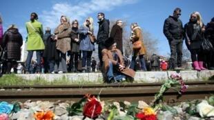 Le 16 mars 2013, des fleurs ont été déposées sur les anciens rails de la station de Thessalonique, d'où sont partis, il y a 70 ans, les trains de déportés vers les camps d'Auschwitz-Birkenau