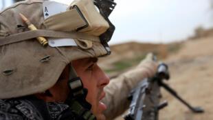 Le président sortant Donald Trump veut un retour des troupes américaines d'Afghanistan d'ici-Noël 2021. Ici, un soldat américain, lors d'une opération dans la ville afghane de Marjah, dans la province Helmand, le 21 février 2010.