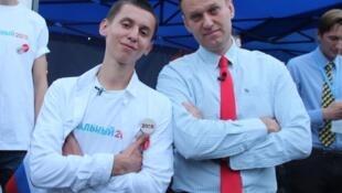 Оппозиционер Алексей Навальный и ученик лицея № 41 во Владивостоке Семен Голубовский