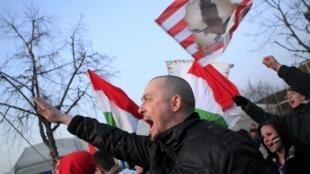 Hinchas de fútbol durante un partido entre Hungría y Rumania, en Budapest, el 22 de marzo de 2013.