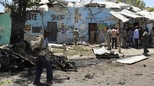 Nhóm hồi giáo vũ trang Shebab của Somalia tấn công vào lúc dân chúng xem các trận đấu Cúp bóng đá Thế giới - REUTERS /Feisal Omar