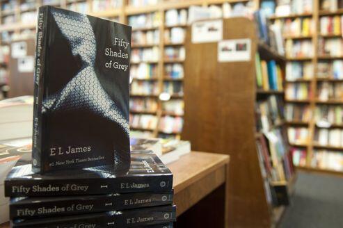 Fifty Shades of Grey sẽ ra mắt độc giả Pháp mùa thu 2012 (Reuters)