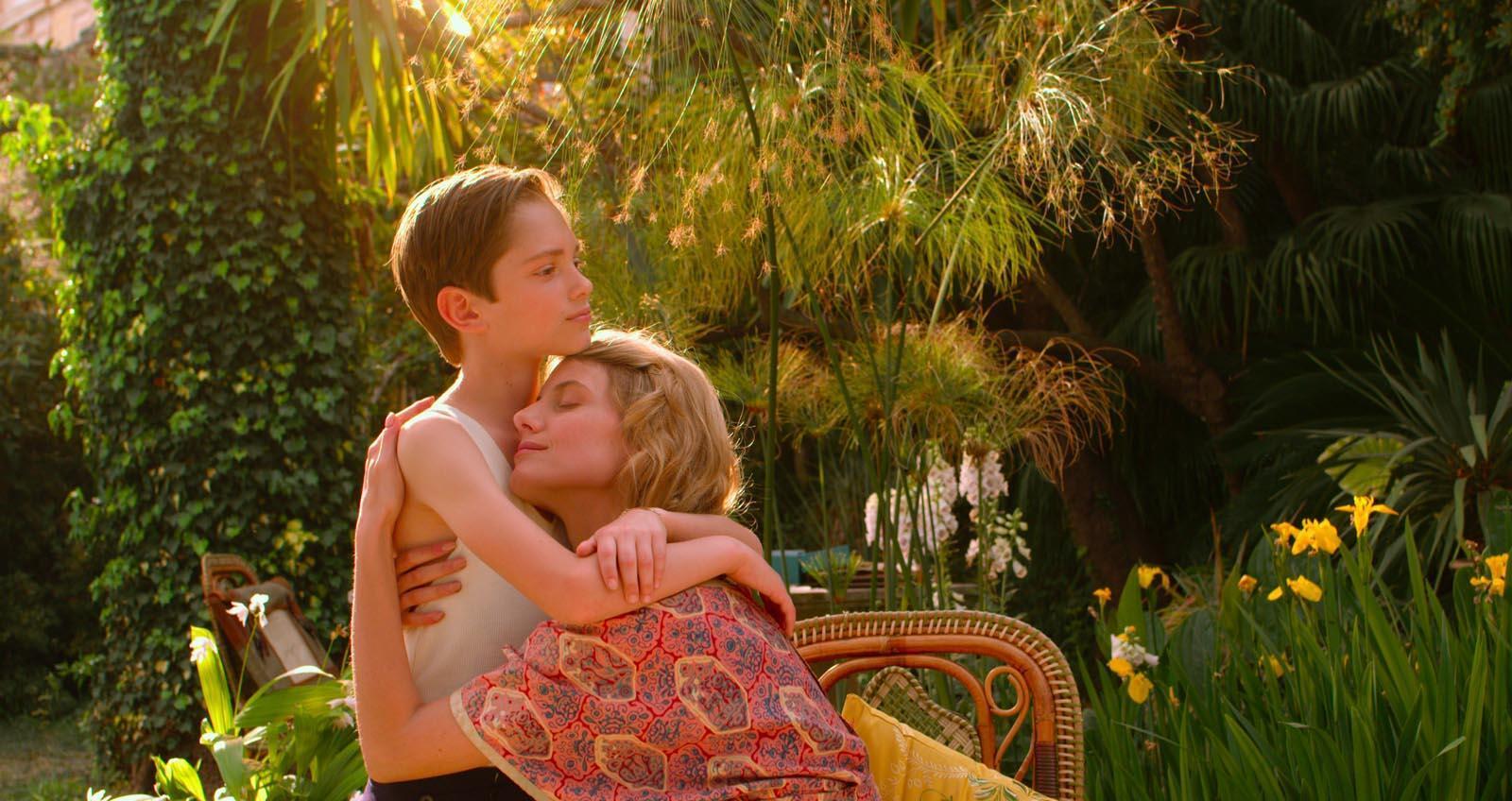 """Diễn viên Mélanie Laurent trong một cảnh phim """"Vĩnh cửu"""" (Eternité) của đạo diễn Trần Anh Hùng."""