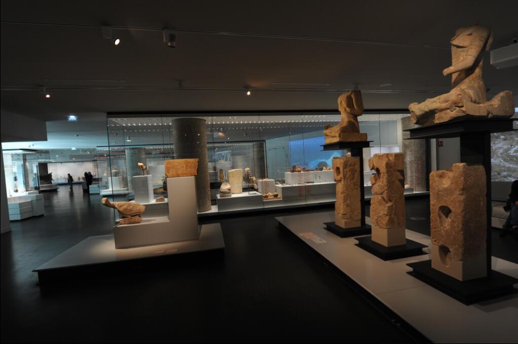 Vue d'une des salles du musée d'Histoire de Marseille.