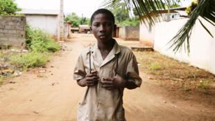 Même pendant les vacances, les enfants du Bénin vont à l'école pour continuer d'apprendre.