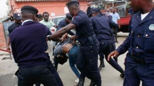Repressão policial contra manifestantes em Luanda 15/10/2019