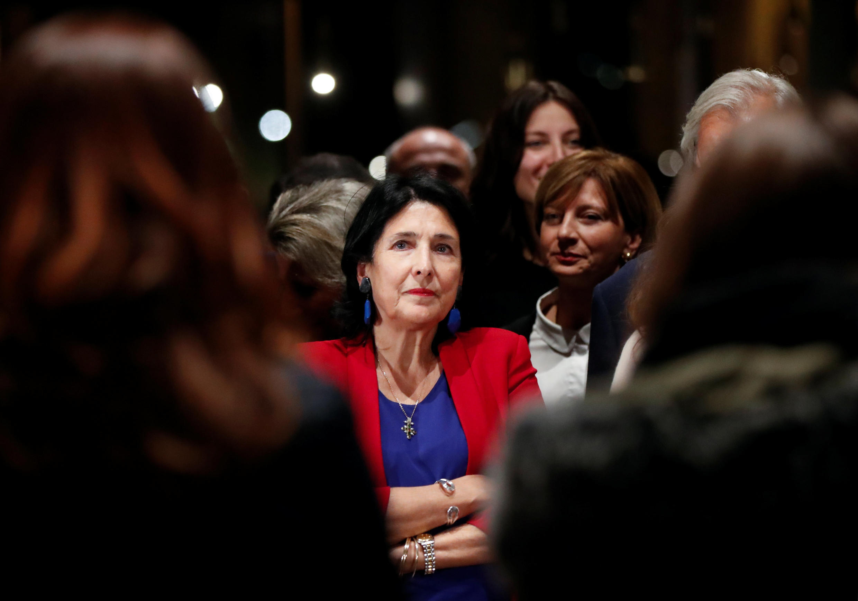 Саломе Зурабишвили победила в первом туре президентских выборов в Грузии