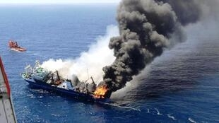 """A traineira russa """"Oleg-Neydanov"""" antes de afundar ao largo das Canárias 12/04/15"""